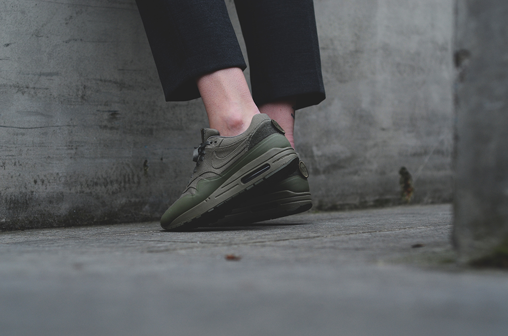 nike air max 1 patch