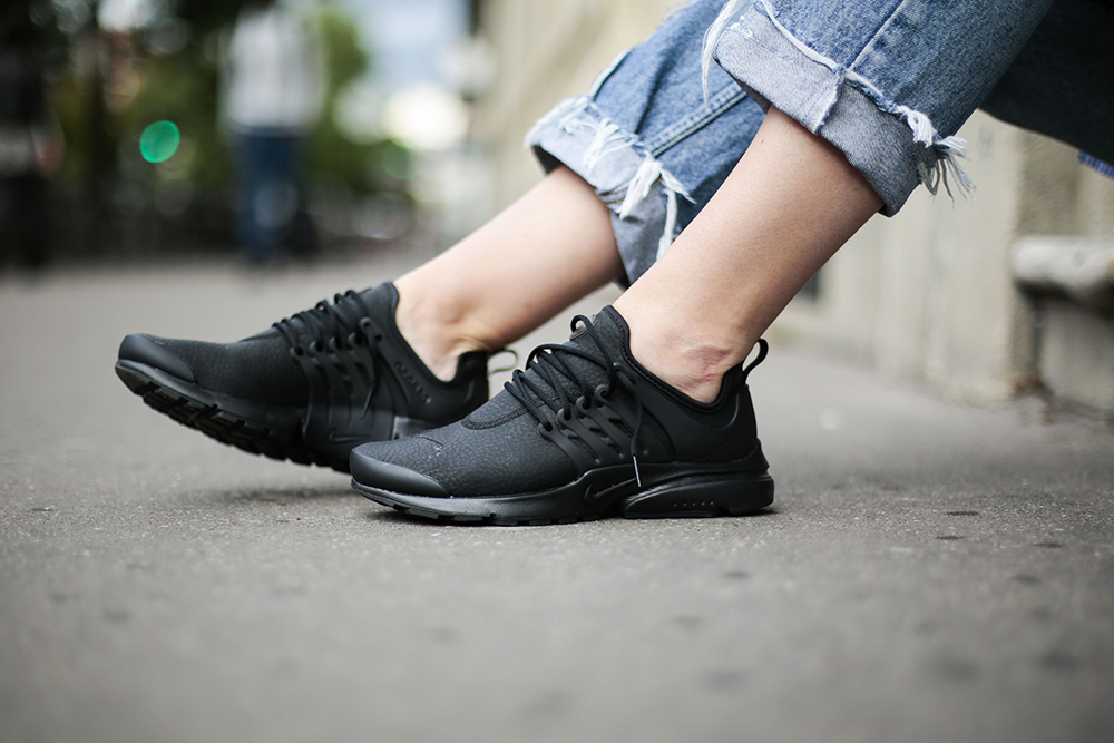lace up in hot product great look Beautiful x Powerful with Nike - Paris - Girl on kicks