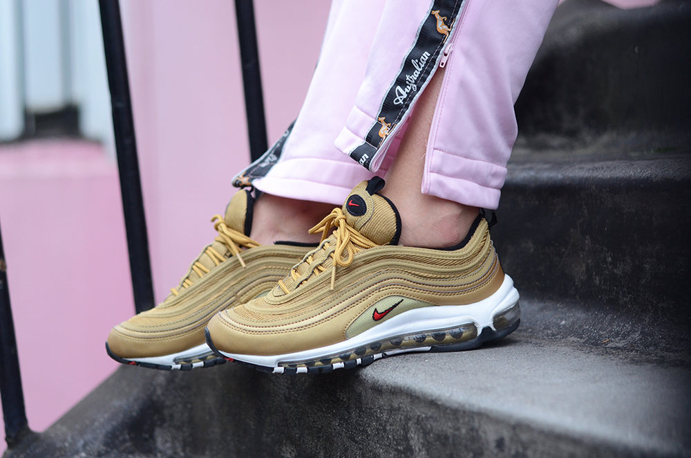 Tα Cheap Nike Air Max 97 Metallic Gold στο Phat Soles (Ρεπορτάζ)